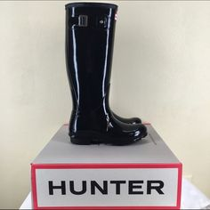Original Hunter Tall Gloss Boots Original Hunter tall gloss boots-perfect for rainy days and winter!  Previously worn women's hunter boots in great condition. Marks from normal wear, but nothing extreme. Mark on inner wear side of one boot shown in picture above. Hunter Boots Shoes Winter & Rain Boots