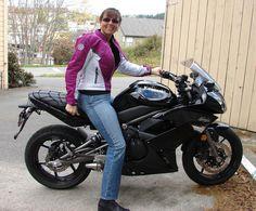 Women on Motorcycles Picture of a 2009 Kawasaki Ninja 650