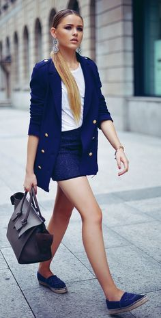 Denim Fit and Style Guide for Pear Shaped Women