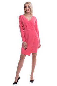 Rochie scurtă, model ușor asimetric în partea de jos, model petrecut la bust, mâneci lungi, închidere în fermoar la spate Dresses For Work, Model, Fashion, Moda, Fashion Styles, Scale Model, Fashion Illustrations, Models
