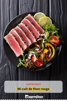 Stock Photo - beautiful food: steak tuna in sesame, lime and fresh salad close-up on a plate on the table. Healthy Italian Recipes, Asian Recipes, Vegetarian Recipes, Fresh Salad Image, Crispy Seaweed, Sushi, Quick Easy Vegan, Appetisers, Savoury Dishes