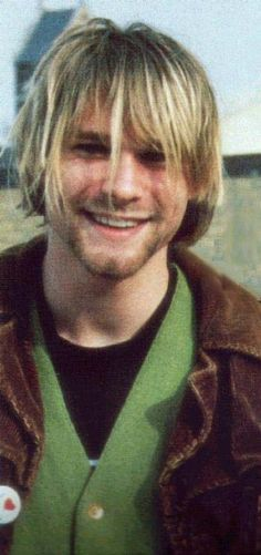 I'd put this under Music, but Life seemed more appropriate. This is one of my very favorite pictures of Kurt Cobain ever taken... a rare and beautiful smile. <3
