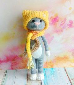 Free crochet cat pattern with accessories, amigurumi, stuffed toy, #haken, gratis patroon (Engels), kat met muts, knuffel, speelgoed, #haakpatroon