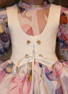 Шьём жилетку (+ выкройка) / Одежда и обувь для кукол - своими руками и не только / Бэйбики. Куклы фото. Одежда для кукол