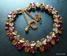 Signed ART Vintage Necklace Choker Gold Tone Purple Glass Cabochon Rhinestone 25
