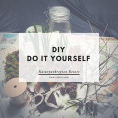 Auf dieser Pinnwand möchten wir euch an unserer Kreativen Ader teilhaben lassen. Vielleicht ist ja der ein oder andere Basteltipp für euch dabei.  #naturparkregionreutte #reutte #diy #doityourself #basteln #bastelidee #kreativ Advent, Blog, Lettering, Event Calendar, Natural Materials, Craft Tutorials, Tips And Tricks, Creative, Calligraphy