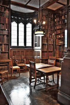 John Rylands Library (Manchester - UK)