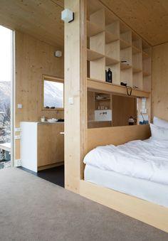 Bedrooms in Manshaus hotel their cabins in Steigen