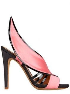 Highest standards in style and edginess: Aperlai pink curve sandal spring 2013 #Shoes #High #Fashion