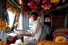 Fotógrafo percorre a Índia atrás dos seus famosos caminhões coloridos