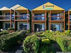 Great Ocean Road - Apollo Bay Seaview Motel and Apartments Australia, Pacific Ocean and Australia Stop at Seaview Motel and Apartments to discover the wonders of Great Ocean Road - Apollo Bay. The hotel offers a wide range of amenities and perks to ensure you have a great time. Free Wi-Fi in all rooms, express check-in/check-out, luggage storage, Wi-Fi in public areas, car park are on the list of things guests can enjoy. Guestrooms are designed to provide an optimal level of c...