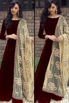 Readymade Black Velvet Anarkali Suit With Dupatta Online - Black Velvet Anarkali Suit With Dupatta Indian Gowns Dresses, Indian Fashion Dresses, Dress Indian Style, Indian Designer Outfits, Pakistani Dress Design, Pakistani Outfits, Indian Outfits, Stylish Dress Designs, Stylish Dresses