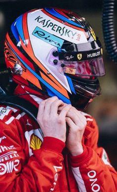  : 📸 Kimi Räikkönen during the Qualifying Formula One, Vespa, Helmets, Ferrari, Racing, Passion, Cars, Twitter, Formula 1