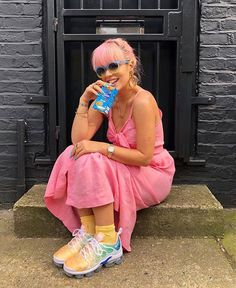 Lily Allen Plans First North American Tour in Four Years – I'm Music Magazin… Lily Allen plant eerste Noord-Amerikaanse tournee in vier jaar – I [. New Fashion, Girl Fashion, Fashion Outfits, Fashion Tips, Lilly Allen, Lily Allen Hair, Stage Outfit, Pictures Of Lily, American Tours