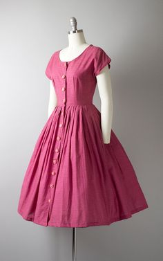 Your place to buy and sell all things handmade Vintage Outfits, Vintage 1950s Dresses, Vintage Clothing, Frock Design, Vintage Mode, Look Vintage, Frock Fashion, Fashion Dresses, Club Fashion