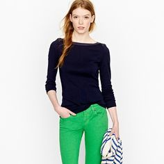 preppy colors. Navy & Green. add a striped scarf and flats and it's my ideal outfit.