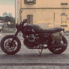 Guzzi V7 Moto Guzzi V7 Stone, Bad Boy Style, Riders On The Storm, Cafe Racer Bikes, Super Bikes, Bike Life, Custom Bikes, Ducati, Motorbikes
