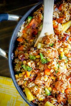 Chicken Teriyaki Brown Fried Rice - This one pot meal is filled with lots of of . - Chicken Teriyaki Brown Fried Rice – This one pot meal is filled with lots of of veggies and makes - Teriyaki Fried Rice Recipe, Teriyaki Chicken Casserole, Teriyaki Rice, Healthy Fried Rice, Teriyaki Chicken And Rice, Healthy Stir Fry, Chicken Stir Fry, Rice Dishes, Food Dishes