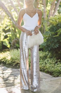 -♛- Daily STYLE and FASHION inspirations for women -♛- Latest trends by popular fashion bloggers, celebrity styles, designer dresses and the best selection of street style. Where to buy? Ask us and we'll try to help !