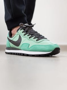 Nike Air Pegasus 83: Emerald Green/Midnight Fog