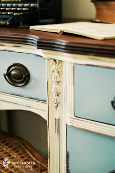 two toned paint on thrift dresser - love that Rococo chalk paint look