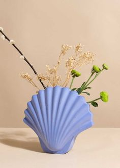 Home Decor Accessories 17 Summer Dcor Ideas to Last All Year Long: Seashell Vase.Home Decor Accessories 17 Summer Dcor Ideas to Last All Year Long: Seashell Vase Home Decor Accessories, Decorative Accessories, Decorative Items, Passion Deco, Leelah, Keramik Vase, Coastal Decor, Cheap Home Decor, Decoration