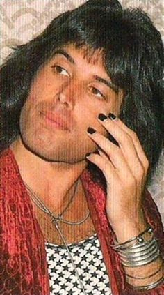 Freddie Mercury- Queen black nails are manly Queen Freddie Mercury, Freddie Mercury Tattoo, John Deacon, Freddie Mecury, Mr Fahrenheit, Roger Taylor, We Are The Champions, We Will Rock You, Somebody To Love
