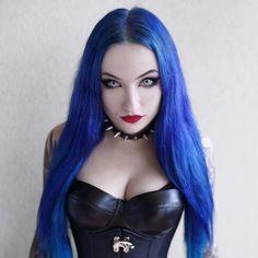 Gothic Girls, Hot Goth Girls, Goth Beauty, Dark Beauty, Steampunk, Directions Hair Dye, Rockabilly, Gothic Models, Goth Women
