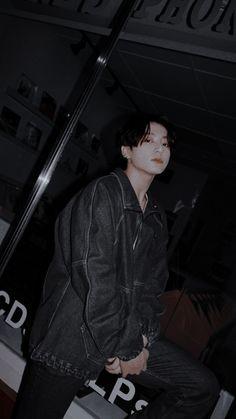 Jungkook Funny, Jungkook Selca, Foto Jungkook, Bts Taehyung, Black Wallpaper, Bts Wallpaper, Foto Rap Monster Bts, Photoshoot Bts, Jeon Jungkook Photoshoot