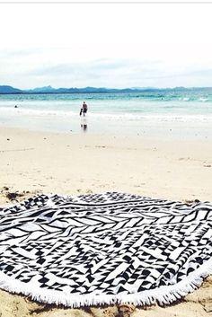 The Beach People Aztec Round Towel