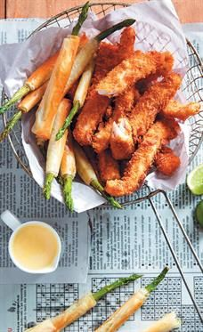 Angelfish goujons with asparagus cigars and hollandaise sauce <br />Photo: