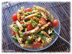Two Different Pasta Salads Halloumi, Pasta Salad, Salads, Cooking, Ethnic Recipes, Sun, Crab Pasta Salad, Baking Center, Kochen