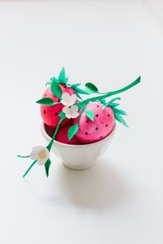 Adorable Strawberry Easter Eggs: http://www.stylemepretty.com/living/2015/03/28/diy-strawberry-easter-eggs/   Photography: Nicole Bass - http://nicolebaasphotography.com/