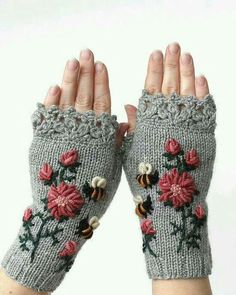 Knitting Patterns Gifts Hand Knitted Fingerless Gloves, Gloves & Mittens, Gift Ideas For Your Winter Accessories Crochet Gloves Pattern, Crochet Mittens, Hand Crochet, Hand Knitting, Knitting Patterns, Crocheted Lace, Knitting Accessories, Winter Accessories, Handmade Accessories