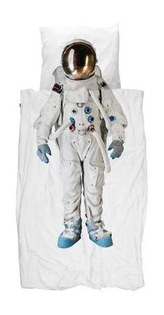 Take a step onto the moon with the Snurk Astronaut Doona Cover Set! #snurk #bedding #kidsbedding #kidsroom #kidsbedroom #astronaut #oliverthomas