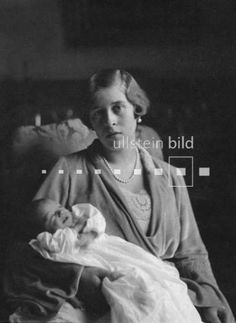 Princess Sophie, wife of Prince Christoph, with their first child, Princess Christina.  Finding pictures of Christoph's and Sophie's other 4 children is proving difficult.
