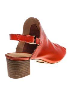 Sandália de couro, sem forro. Salto de 5 cm. Cristófoli verão 2015.