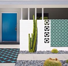 Mid-century architecture: Let's get inspired by the best mid-century modern architecture examples in Palm Springs, California! Design Exterior, Modern Exterior, Interior And Exterior, Modern Door, Modern Entrance, Exterior Colors, Palm Springs Häuser, Palm Springs Style, Style At Home