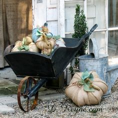 Wheel barrow chariot pinterest for Amenagement jardin wepion