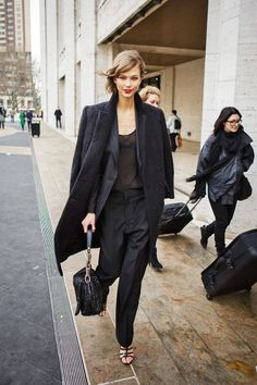 Karlie stop it. I usually am not for the all black but you are killing this menswear inspired look. The pants and shoes are perfection.