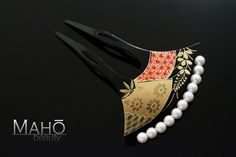 """This beautiful vintage style Japanese hair comb is the type called """"Kanzashi. """" The history of Japanese Kanzashi (ornamental hairpin) goes back as far as 3000 years ago. In the prehistorical Jomon era (approx."""