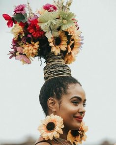 Her crowning glory Pelo Editorial, Afro Punk Fashion, Fashion Art, Art Afro, Curly Hair Styles, Natural Hair Styles, Pelo Afro, Pelo Natural, Black Girl Aesthetic