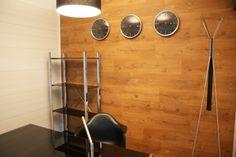 RubiOffice - pomieści półki, biurko oraz miejsca siedzące a mimo to zawsze jest sporo dodatkowej przestrzeni. http://rubiloft.eu/rubioffice/