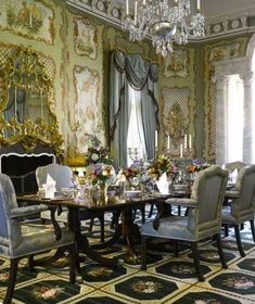 Christopher Hyland Inc. (@christopherhylandinc) • Instagram photos and videos Elegant Dining Room, Elegant Home Decor, Elegant Homes, Victorian Interiors, Victorian Homes, Classic Interior, Luxury Interior, Luxury Decor, Beautiful Interiors