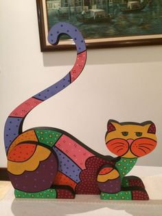 Discover thousands of images about Country madera painting Wood Cat, Easy Drawings For Kids, Alley Cat, Wooden Animals, Cat Accessories, Cat Colors, Cat Crafts, Aboriginal Art, Mosaic Patterns