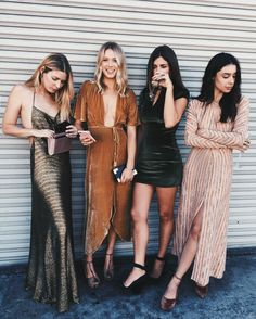 Luxury Dresscode Ideas For Bridesmaid Look Boho, Look Chic, Mode Ootd, Gold Outfit, Look Street Style, Inspiration Mode, Color Inspiration, Look Casual, Looks Style