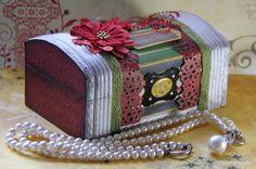 Altered jewelry box...love it! @Jolan Meurs Meurs #bobunny