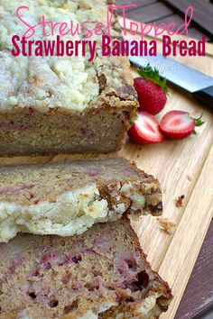 Moist banana bread studded with fresh strawberries and topped with crunchy, buttery streusel! Strawberry Banana Bread, Moist Banana Bread, Strawberry Recipes, Just Desserts, Delicious Desserts, Dessert Recipes, Yummy Food, Kefir Recipes, Cooking Recipes