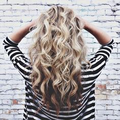 Ombre hair color, blonde hair with brown underneath, beachy hair, curly hair