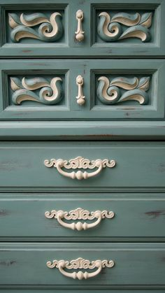 Shabby Five Drawer Dresser with Unique Filegris Detail and Distressed Charm. .